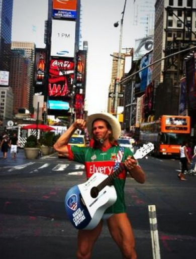 New York's 'Naked Cowboy' gets all dressed up to back Mayo for Sam