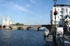 Man drowns after slipping off bridge wall in Athlone