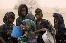 Ireland gives 4,500 blankets, 150 tents and 2,100 mosquito nets to Niger