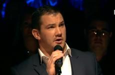 Munster's Damien Varley sings Lean on Me for charity