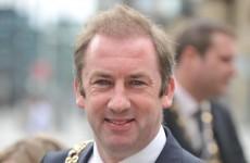 Dublin Lord Mayor catches fainting fireman