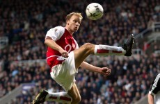 Arsenal to unveil Dennis Bergkamp statue before next home game