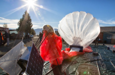 Google's WiFi-carrying balloon circles the world in under a month