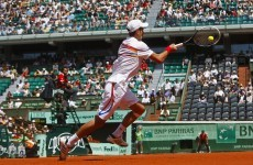 Djokovic off to winning start in Paris