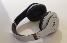 Apple in talks to buy headphone maker Beats Electronics for $3.2 billion