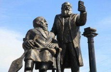 'Selfie statue' removed in Kazakhstan... because people couldn't stop laughing