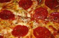 US pilot treats passengers to pizza after storms delay flight