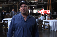 8 most important images and GIFs from the Garth Brooks press conference