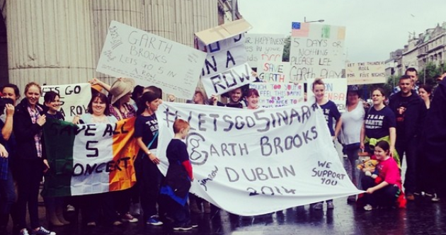 'Let Garth play': GPO protest over Brooks concert fiasco