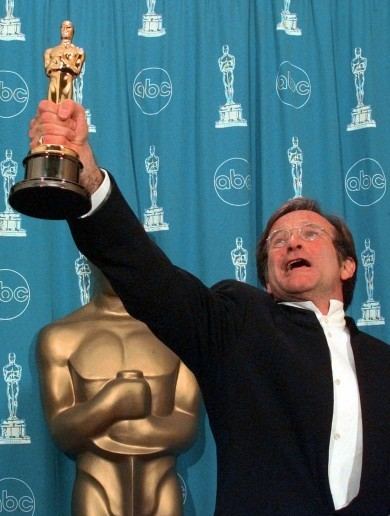 'I still want to see some ID': Robin Williams jokes with Damon and Affleck in Oscar speech