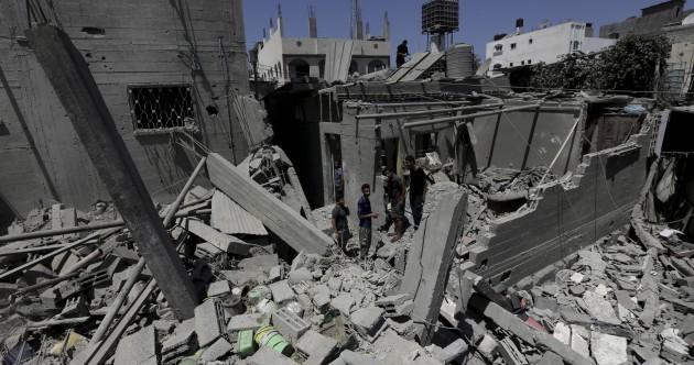 Israeli fire kills 10 Palestinians across Gaza