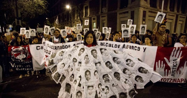 Mexico orders mayor's arrest over 43 missing students