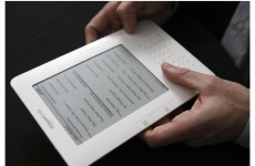 Amazon to do battle with iPad with tablet of its own