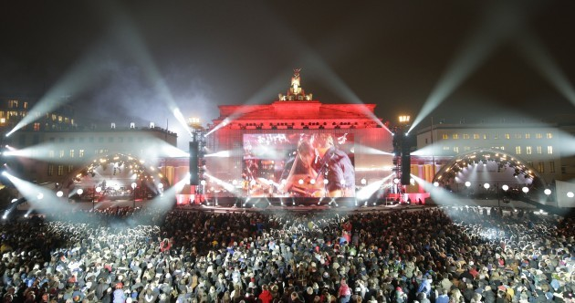 The scene at the Brandenburg Gate right now looks pretty spectacular