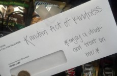 10 lovely acts of kindness to remind you that people can be great