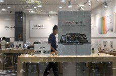 Here's the Apple store selling iPhones and iPads that's actually a fake