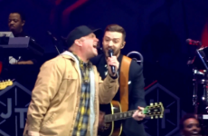 Garth Brooks sang Friends In Low Places with Justin Timberlake, and it was great