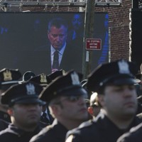 NYPD officers turned their backs on the city's mayor when he spoke at cop's funeral