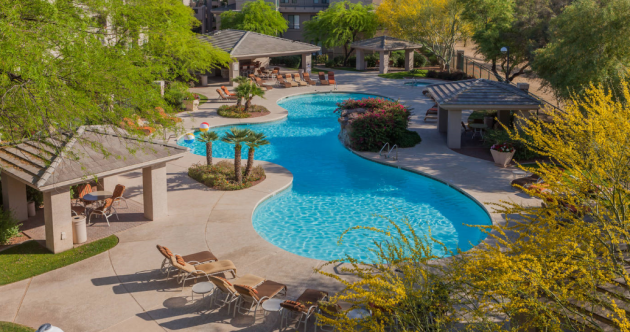 Planning a last-minute Super Bowl trip? Check out these awesome Airbnb rentals in Phoenix