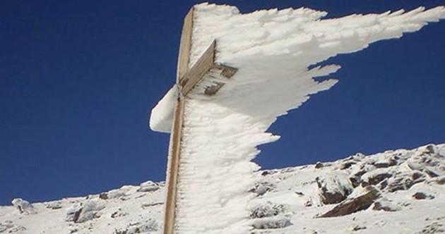 Stunning photo on Kerry mountaintop goes viral on Facebook