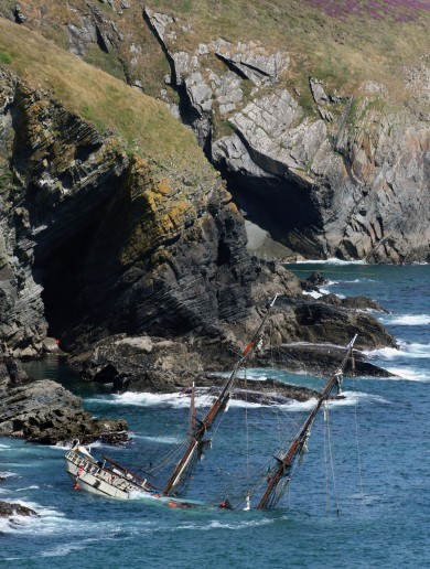 Shipwreck report: 'Desire for photo op meant Astrid tall ship was too close to the coast'