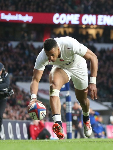 Here are the 5 first half tries from a ridiculous England v France game
