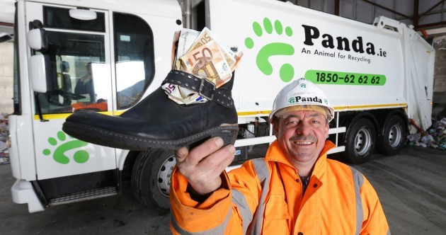 Recycling worker finds (and returns) €1,500 hidden in a shoe