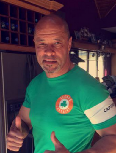 Paul McGrath raised €400 for charity by auctioning off his Second Captains t-shirt