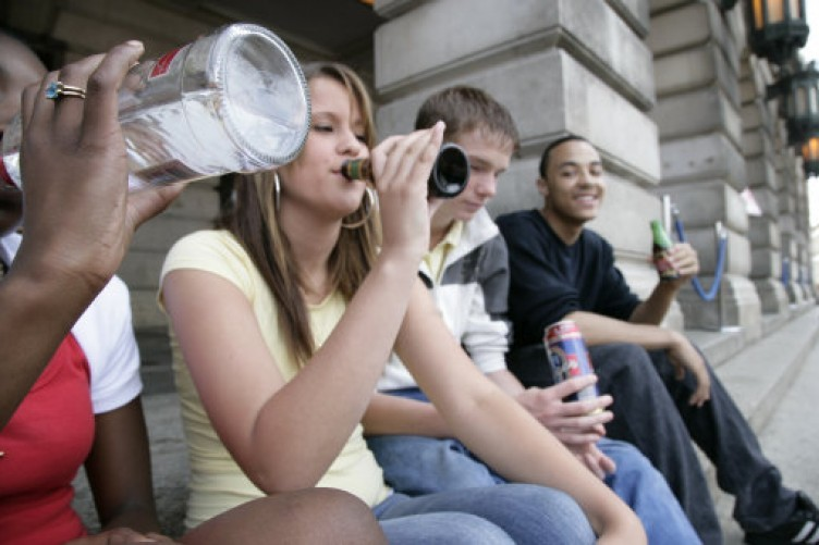 a discussion on the dangers of binge drinking in underage college kids College students may suffer permanent brain the research further emphasizes the dangers of binge drinking, especially underage binge drinking.
