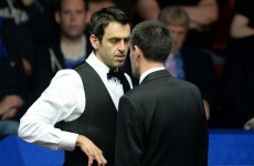Controversial hand gesture overshadows O'Sullivan's march to the quarter-finals