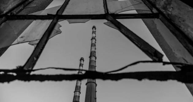 10 great photos of the Poolbeg chimneys