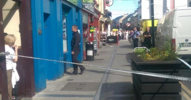 Tralee street reopens after woman with knife barricades herself into a shop