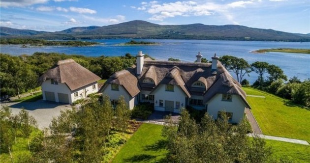 This thatched mansion in Kerry might remind you of something…