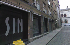 """Woman whose knee """"popped out"""" after slipping on nightclub dancefloor awarded €17,500"""