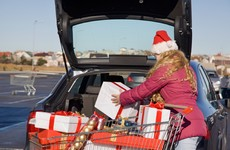 Almost nobody is border-hopping for their Christmas shopping