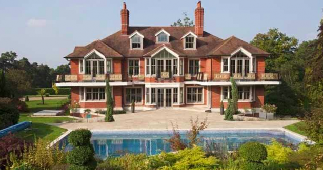 Tom Cruise is reportedly selling his enormous English country estate for €6.8 million
