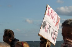 Clontarf residents protest over flood wall plans