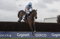 Un De Sceaux dominates to send out message from Ascot