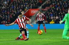 Yoshida maintains 10-man Southampton's surge