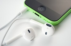 Still have your iPhone headphones? You can do quite a few things with them