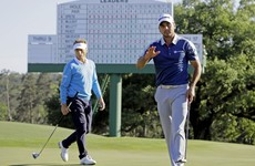 If Jason Day catches Jordan Spieth later today, he may have this superb putt to thank for it