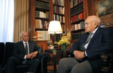 Papandreou struggles to end political deadlock