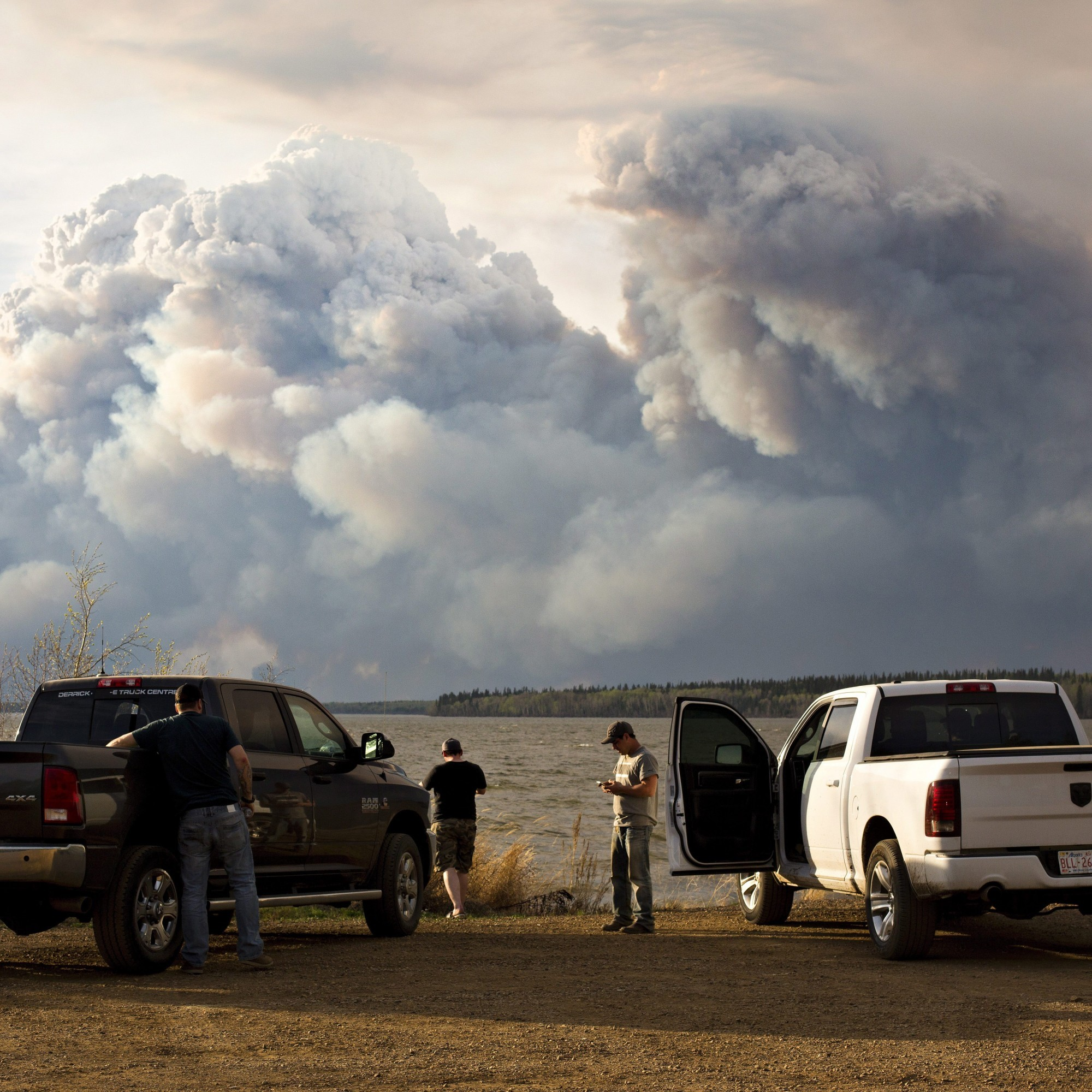 The huge wildfire in Canada has grown more than ten times in size