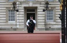 Man arrested after scaling wall at Buckingham Palace