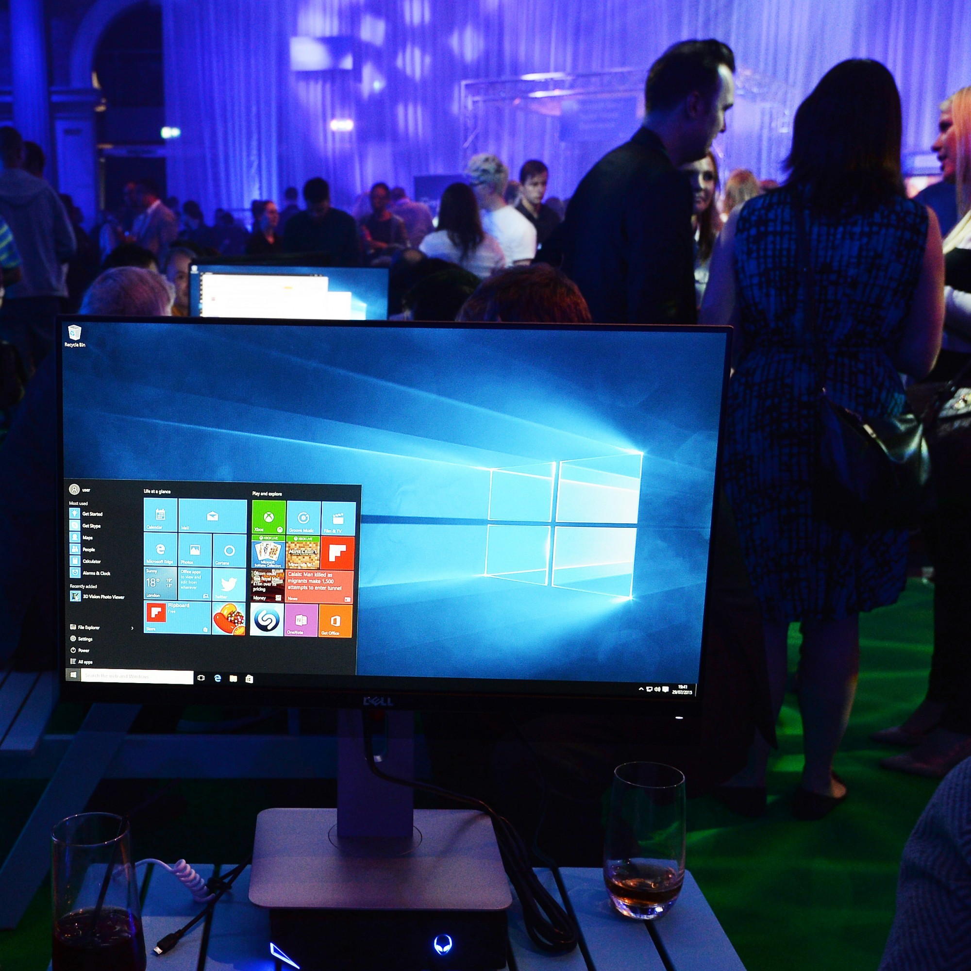 Microsoft is being criticised for the way it's getting people to install Windows 10