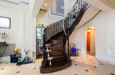 PHOTOS: Look inside the €3m 'mini White House' for sale in London