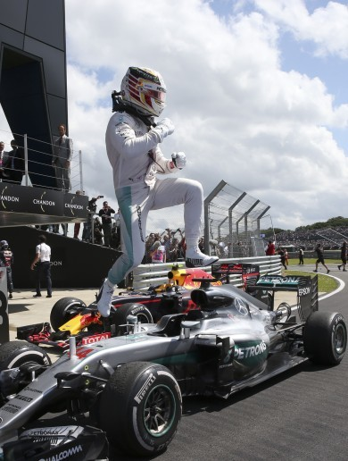 That's a hat-trick! Hamilton untouchable in British GP at slippery Silverstone
