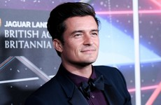 Orlando Bloom been papped completely naked on his holidays... It's the Dredge
