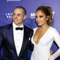 J-Lo broke up with her fella because he went to the Conor McGregor fight in Vegas... it's the Dredge