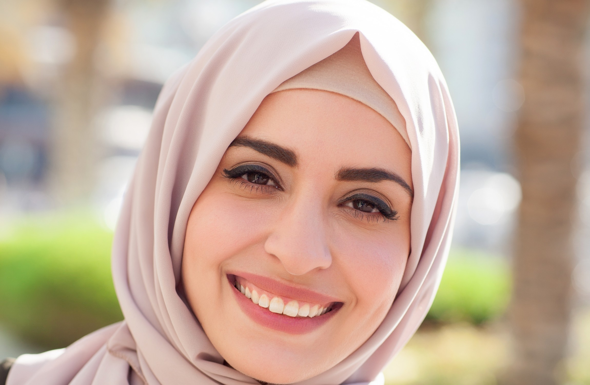 allons single muslim girls Muslim dating 'guru' thanna alghabban has been called a 'whore and a hoe' for giving women relationship advice thanna makes videos for instagram and youtube for muslim women about dating.